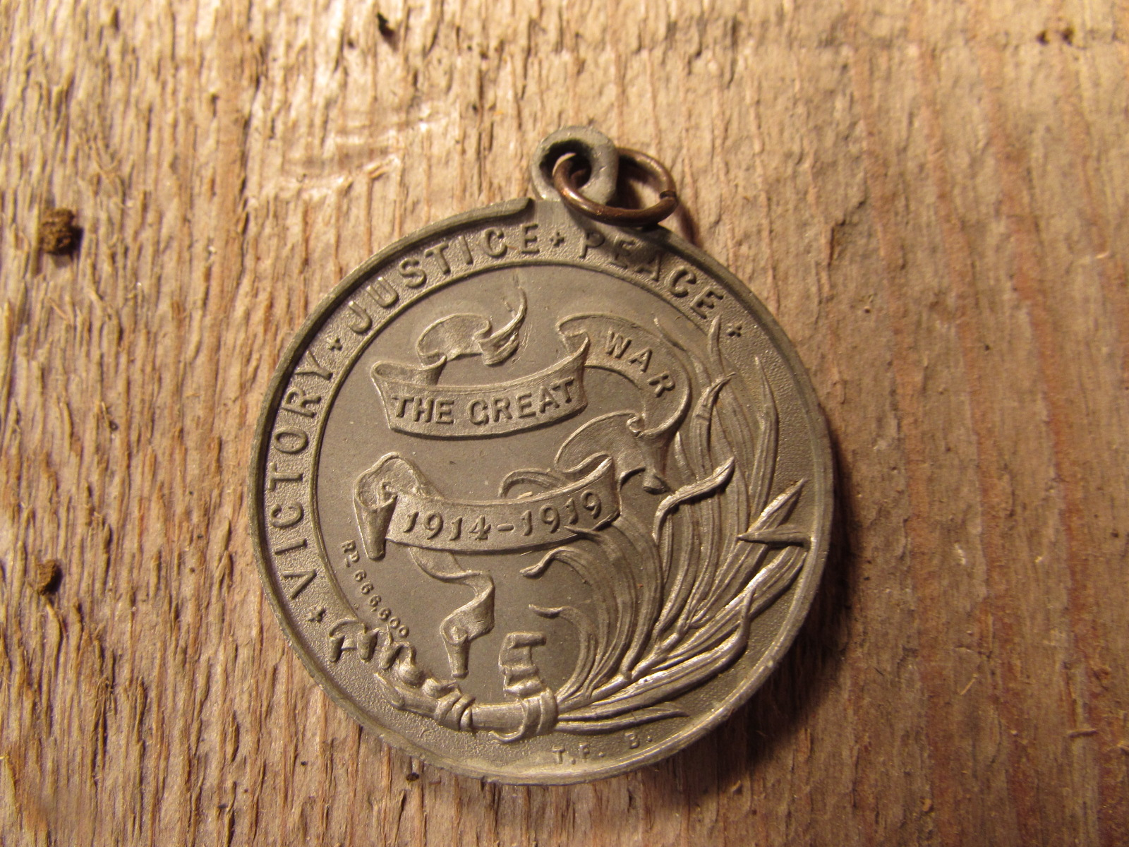 Peace award 1914-19 commemorative medal