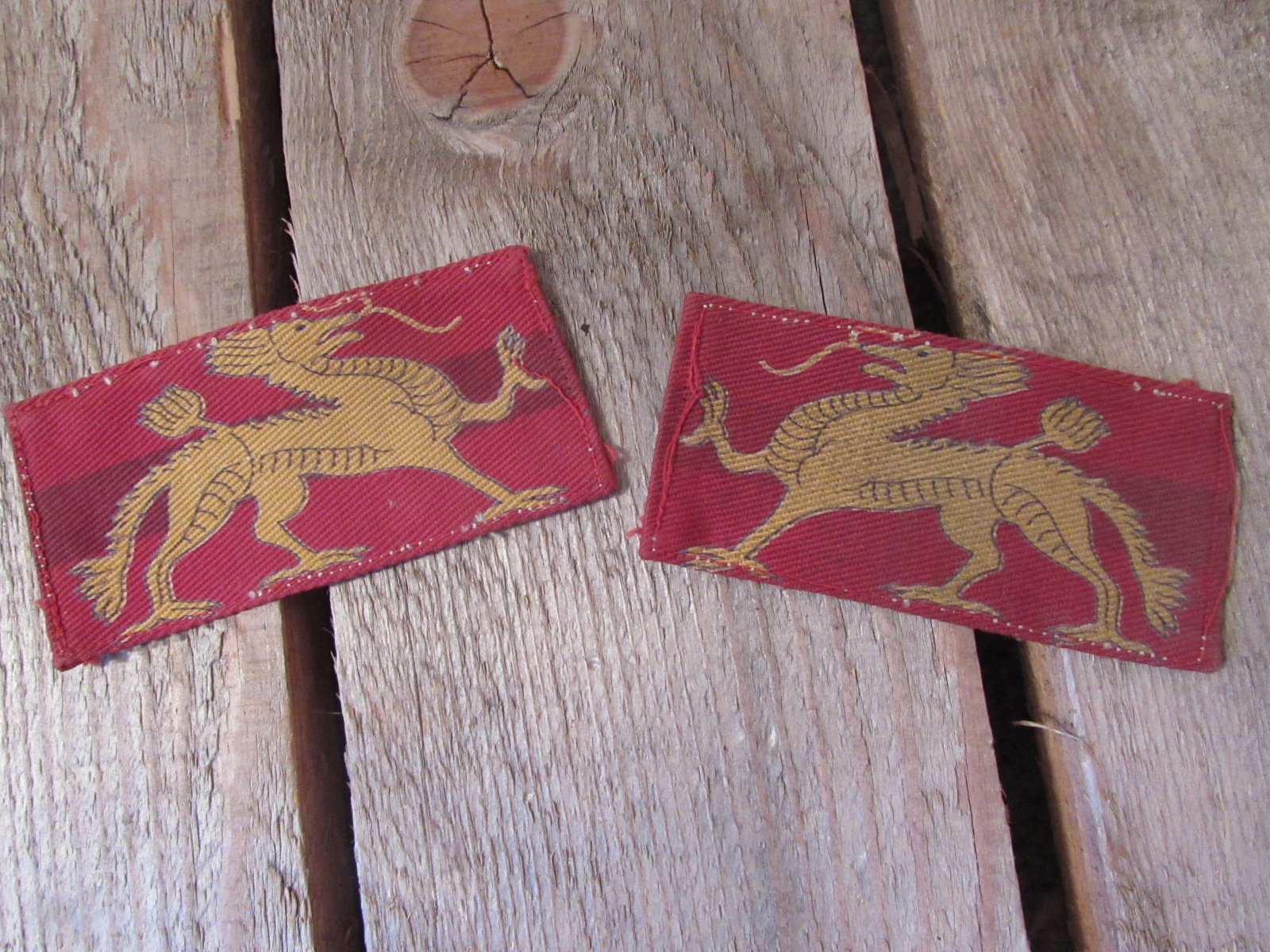 Pair of cloth badges for the HQ land forces, Hong Kong, Post 1945